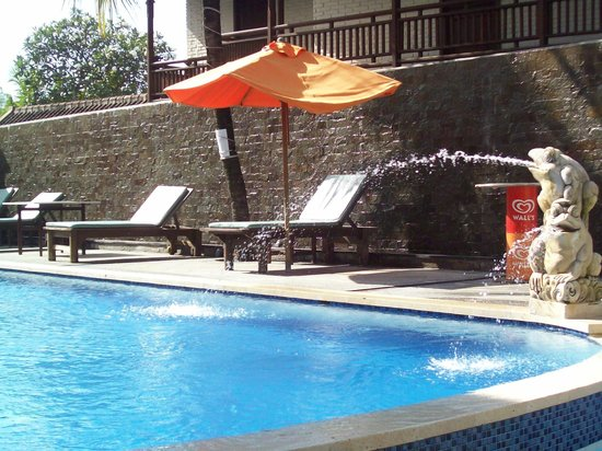 Grand Sinar Indah Hotel: pool area
