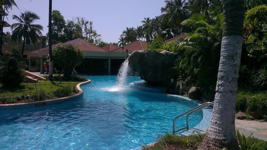 The Retreat Hotel & Convention Centre: Swimming pool