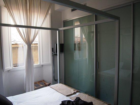 Floroom 1 : Inside room
