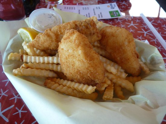 Morro Bay Waterfront Grill: fish and chips