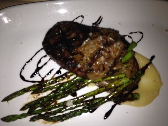 Terra Bistro: delicious Amish NY steak!