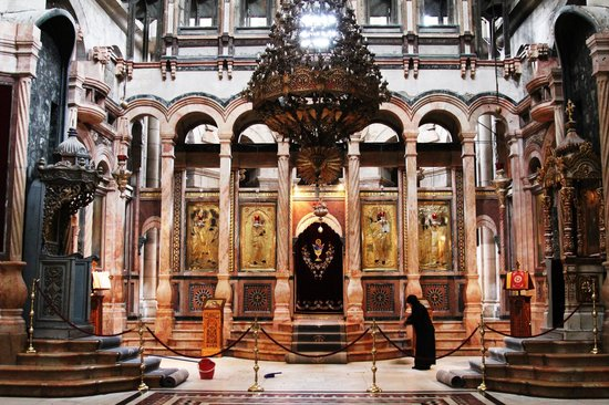 Church Of The Holy Sepulchre Tour