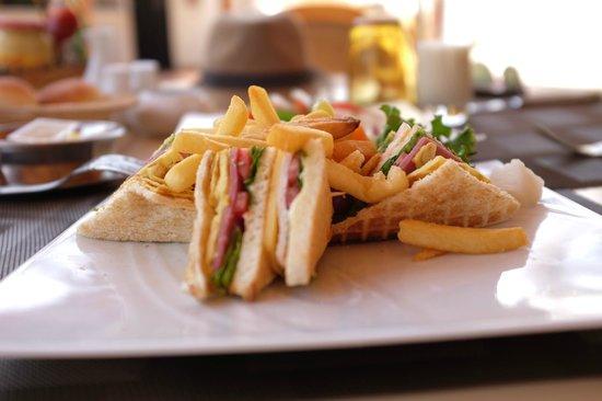Movenpick Resort Sharm El Sheikh Naama Bay : Club Sandwich La brise