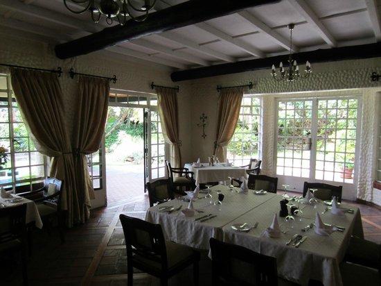 Kiangazi House : Stunning Dining Room