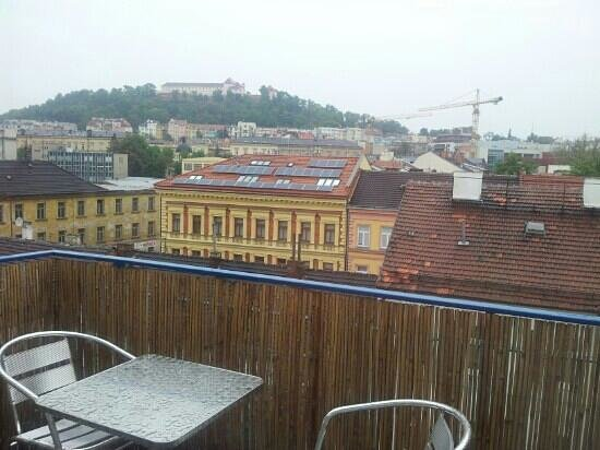 Hotel Omega Brno: View from the breakfast room on the roof