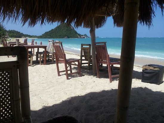 Solah Beach Bar and Restaurant: Best seat in the house