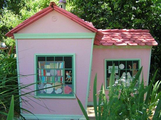 Children's Fairyland: Houses
