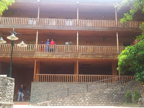 Sterling Thekkady: Frontal view of the resort