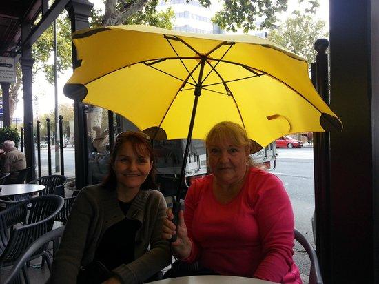 Yella Umbrella Walking Tours: Robyn & Chris, Peterborough and Brisbane