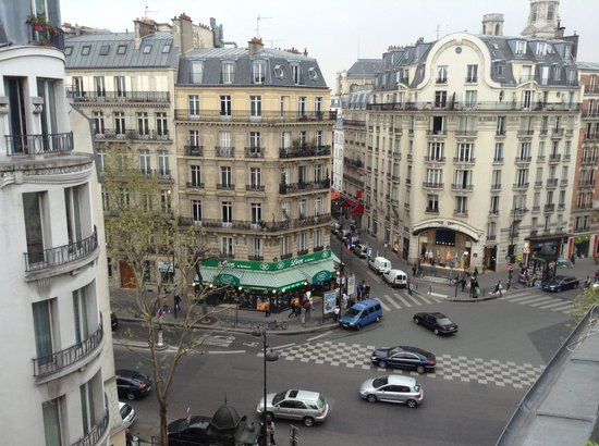 Artus Hotel by MH : balcony view onto Rue St Germain