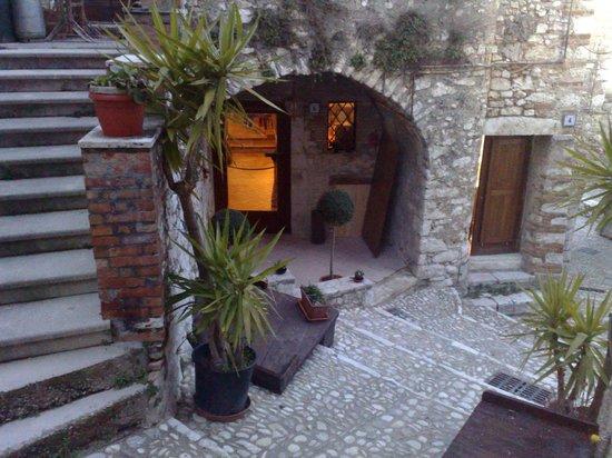 Ristorante ArcoLuna: ingresso arcoluna via garibaldi