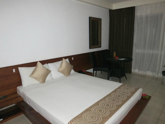 The Melanesian Port Vila: King-size bed