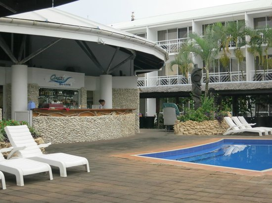 The Melanesian Port Vila: Oasis Bar and Grill