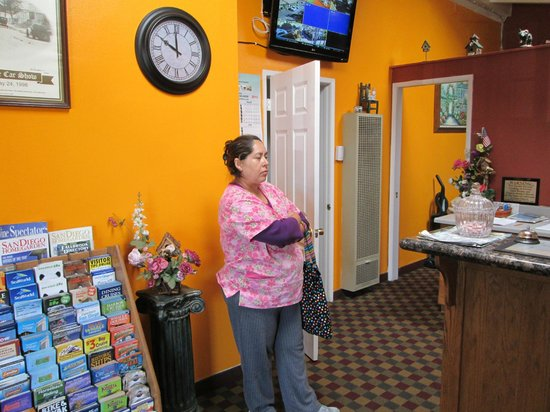 Fallbrook Country Inn: Maid at Fallbrook Inn