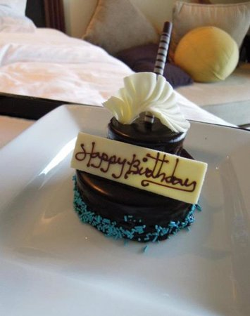 Movenpick Resort & Spa Karon Beach Phuket: Yummy cake