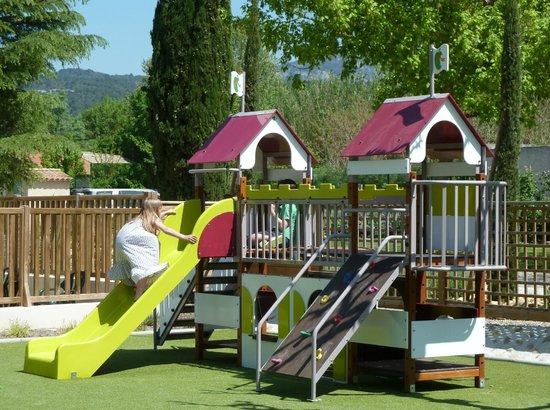 Camping la Couteliere : aire de jeux enfants