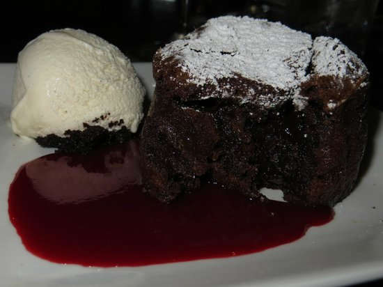 Roy's Poipu Bar & Grill : Roy's signature chocolate souffle!  Yummmmmm!!!