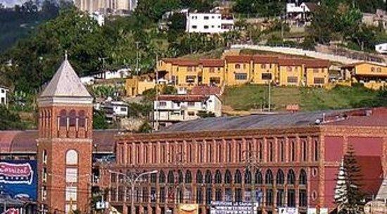 Centro Comercial Ciudad La Cascada