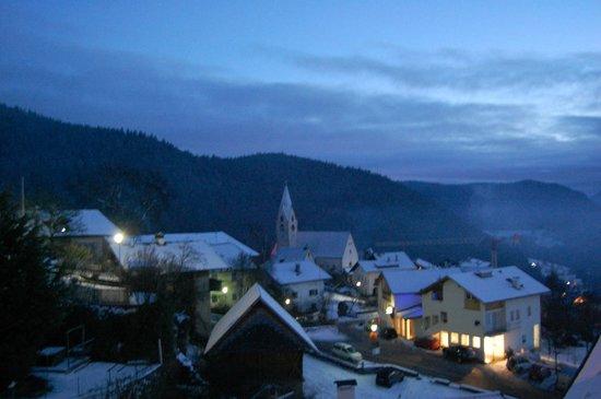 Pension Roderer : La vista dal balcone della nostra camera (1° piano)