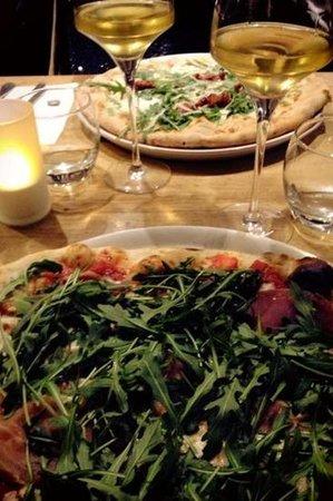 La Bottega : pizzas excellentes et très bon vin pour une soirée réussie