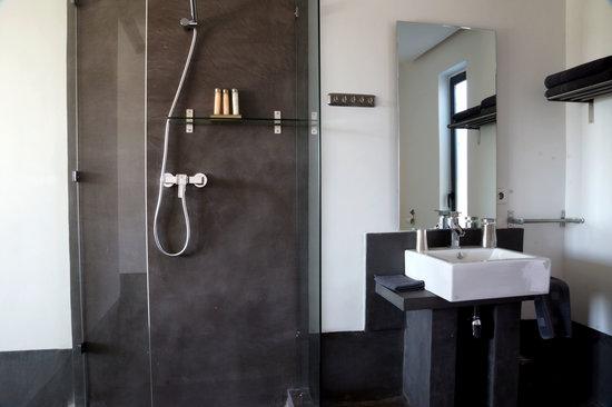Salle de bain picture of maroc loisirs marrakech for Salle de bain maroc