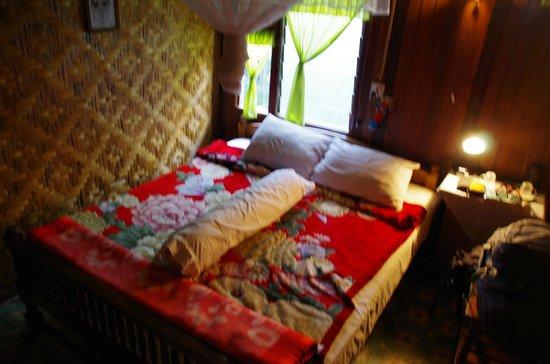 Aquarius Inn : comfortable bed