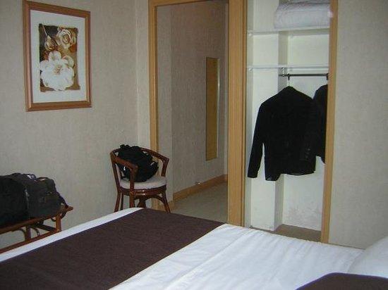 Inter-Hotel Albi le Cantepau : Chambre standard