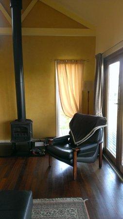 Outlook Hill Vineyard & Cottages: Living Room