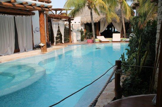 Holbox Hotel Casa las Tortugas - Petit Beach Hotel & Spa: piscina