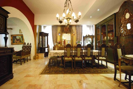 Le Chateau des Oliviers: Dining Room