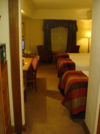 O'Callaghan Davenport Hotel: Вид номера из коридора