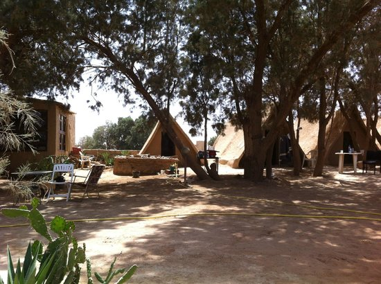 Auberge Ksar Sania: Rooms are fine. Tents looked fun too.