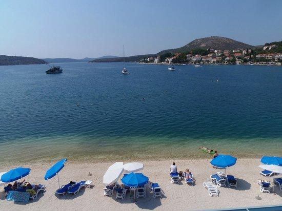 Admiral Grand Hotel: La baie de Slano