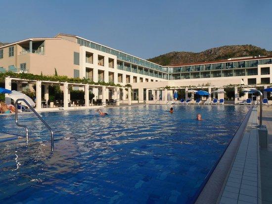 Admiral Grand Hotel : La piscine