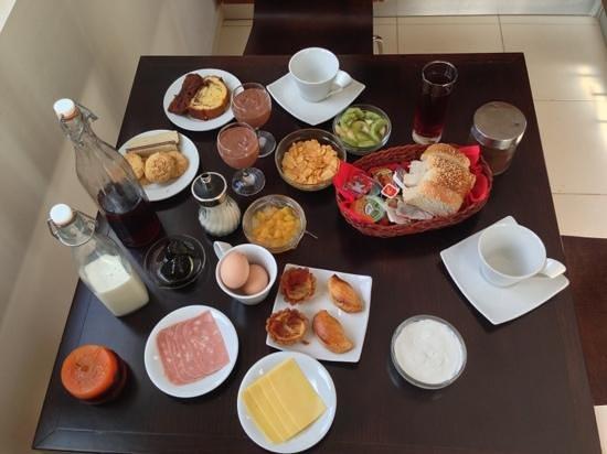 Lenikos Resort: petit déjeuner copieux
