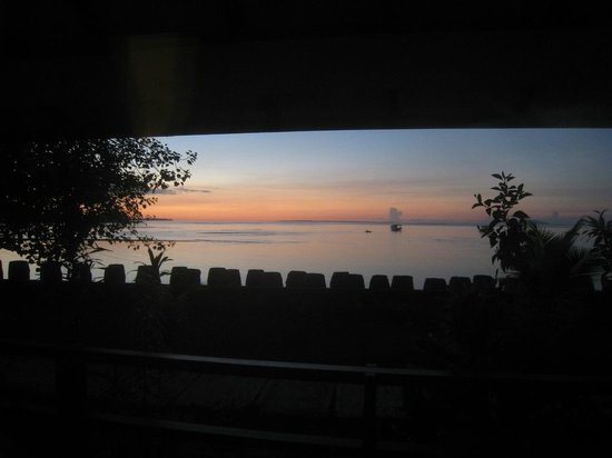 Cocotinos Manado : The view from the room