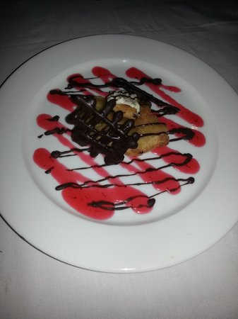 Cocotinos Manado : The delicious fried pineapple