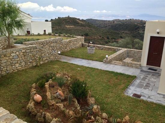 Lenikos Resort : jardin magnifique et soigné