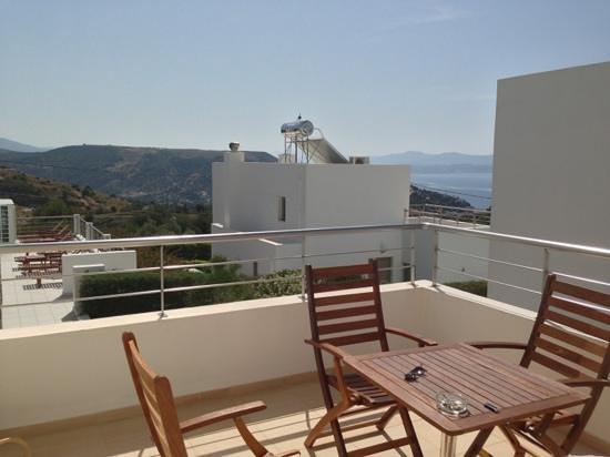 Lenikos Resort : terrasse d'un logement ch103