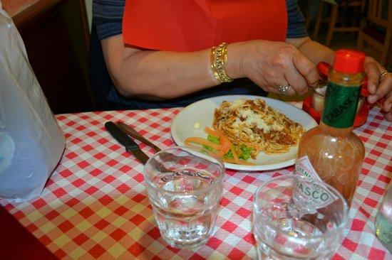 Al Vaporetto: Spaghetti with meat sauce