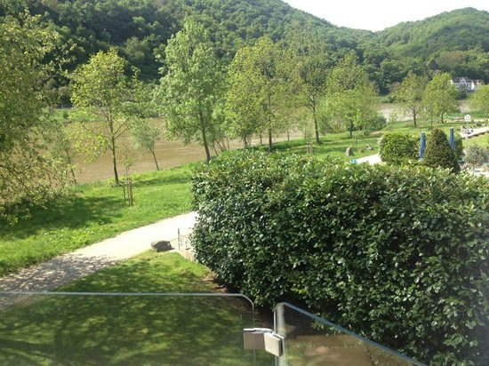 Hotel Moselblick: View to the wine hills