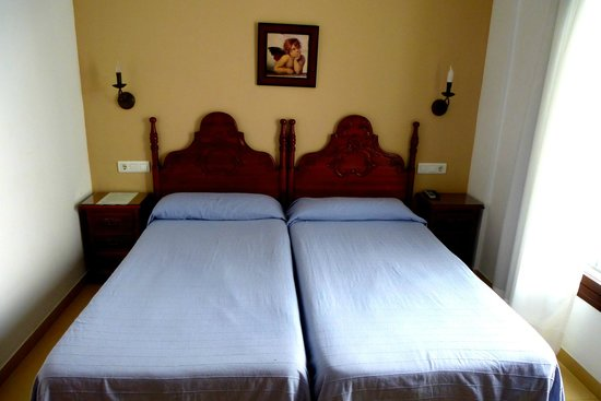Easy Nerja Hostel: Twin Room