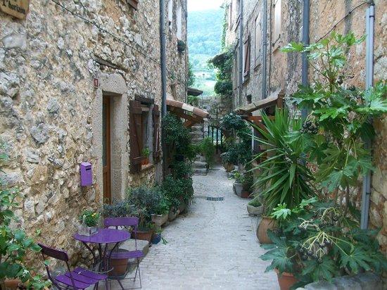 Ville medieval : ruelle de Tourrettes sur loup