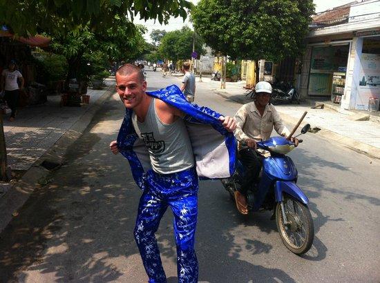 Rin My Fashion Tailors : Blue Silk Suit
