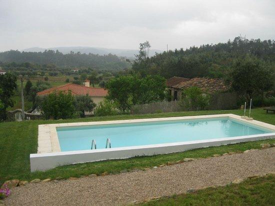 Casa nas Serras: Het zwembad
