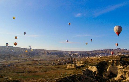 Ballons in Cappadocia - Picture of Urgup Balloons, Goreme ...