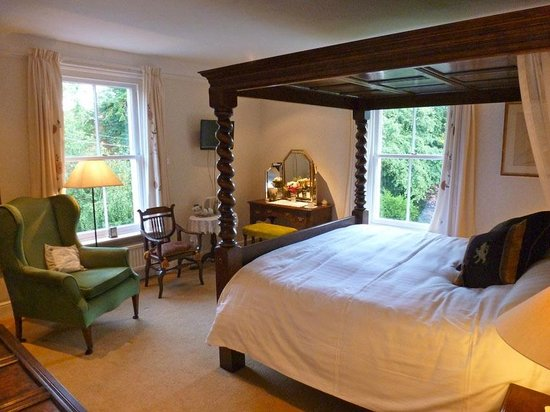 Highbury Bed & Breakfast: Meldon - our luxurious super-queen-size 4-poster bedroom