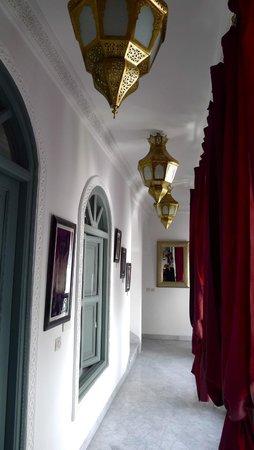 Riad Mirage: hallway
