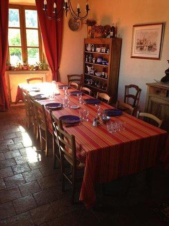 La Bastide d'Aguyane: la salle a manger