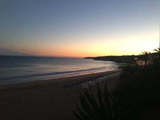 Vila Gale Nautico: Right next to this beautiful beach
